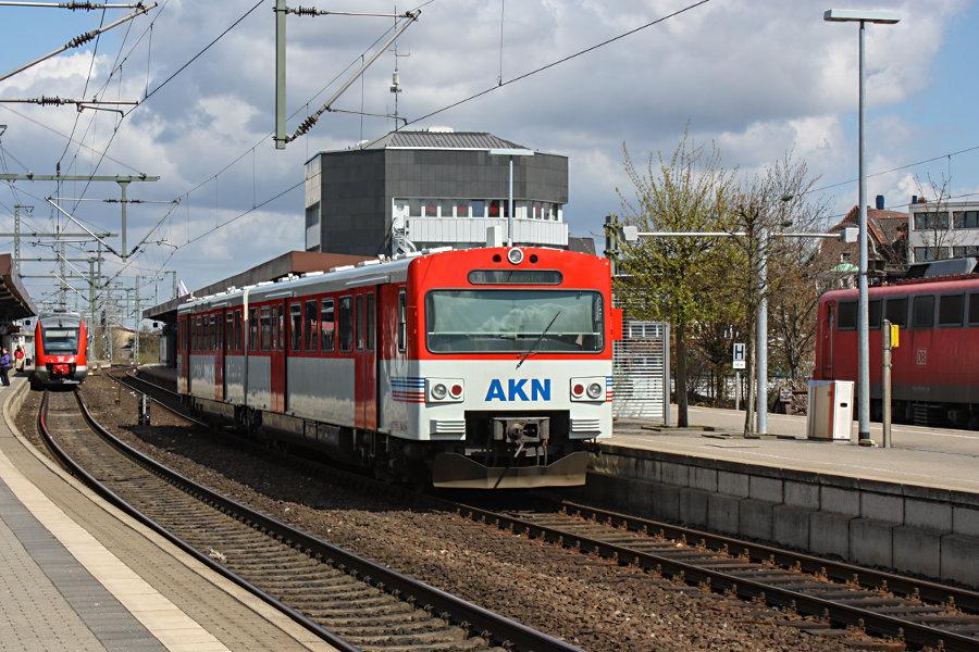 AKN VT 2.66 als AKN 90830 im Bahnhof Neumünster.