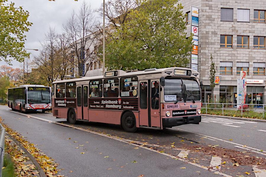 Wagen 6416 des HOVs beim 10. Verkehrshistorischen Tag 2010 bei der Fahrt auf die Omnibusanlage S Poppenbüttel.