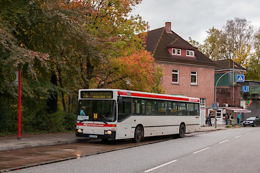 Wagen 6502 des HOVs beim 10. Verkehrshistorischen Tag 2010 an der Haltestelle U Ohlstedt.