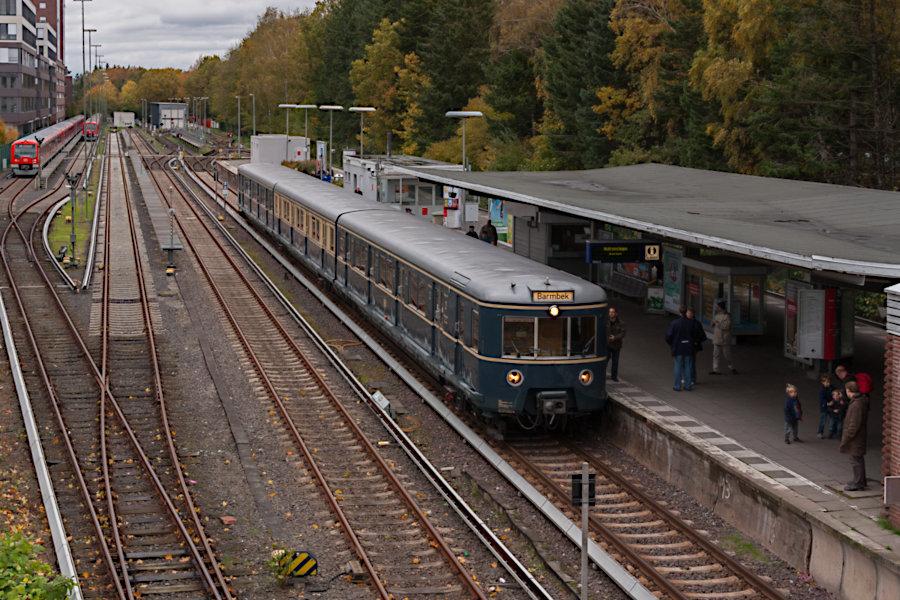 ET 471 082 der HiSH beim 10. Verkehrshistorischen Tag 2010 im Bahnhof Poppenbüttel.