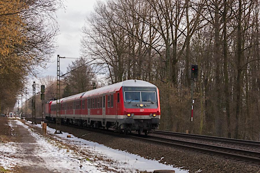 RB 21170 kurz vor der Einfahrt in den Haltepunkt Prisdorf.