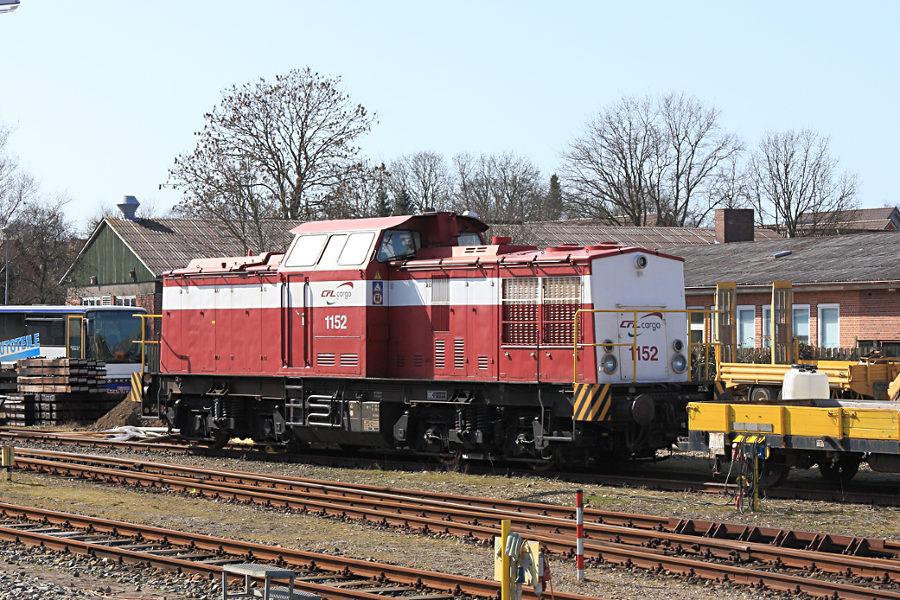 CFL 1152 (202 242) abgestellt im Bahnhof Niebüll (neg).