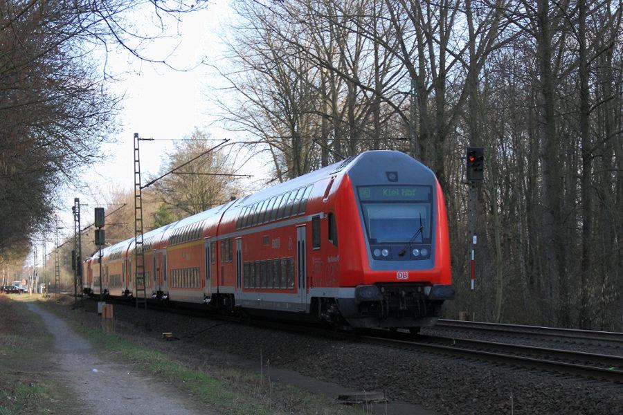 RE 21020 mit Steuerwagen