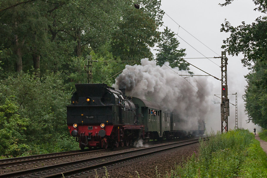 78 468 bei der Durchfahrt des Haltepunkts Prisdorf nach einem Einsatz bei der neg zwischen Niebüll und Dagebüll Mole.