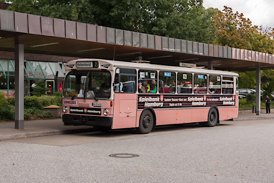 HOV 6416 (ex HHA 6416) auf der Omnibusanlage U Niendorf Markt.