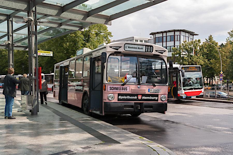 HOV 6416 (ex HHA 6416) auf der Omnibusanlage U Wandsbek Markt.
