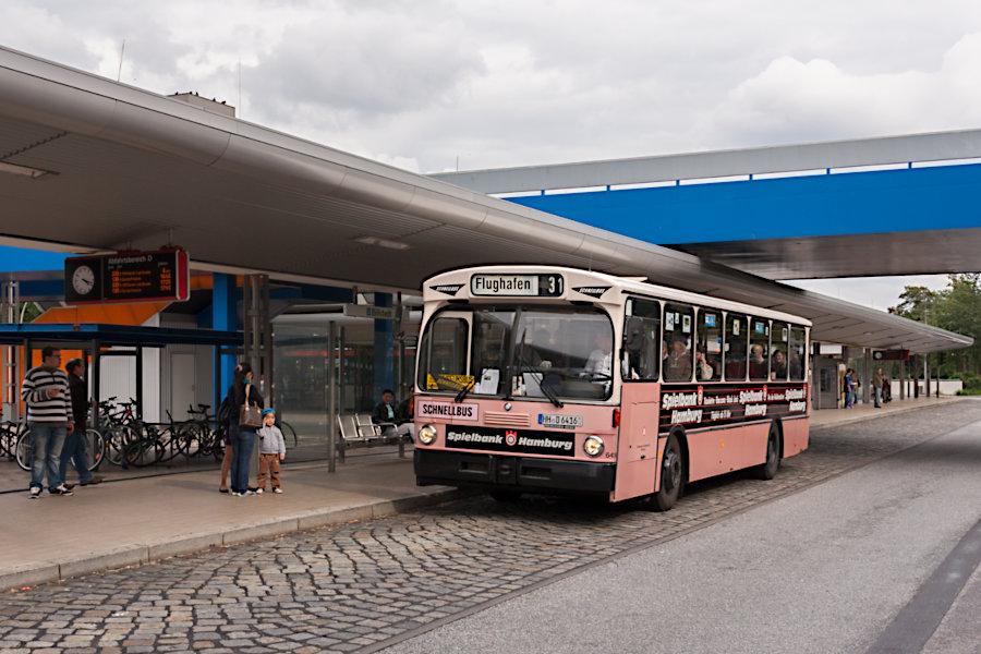 HOV 6416 (ex HHA 6416) auf der Omnibusanlage U Billstedt.