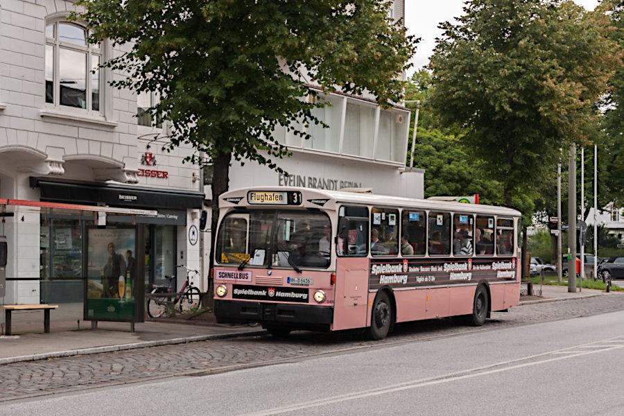 HOV 6416 (ex HHA 6416) an der Haltestelle U Klosterstern.
