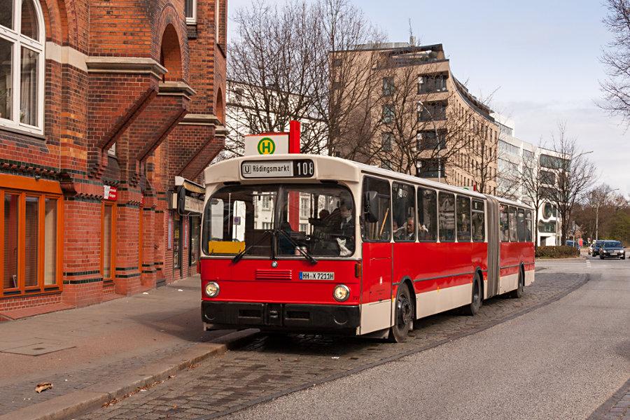 HOV 7211 (ex HHA 7211) an der Haltestelle AK St. Georg.