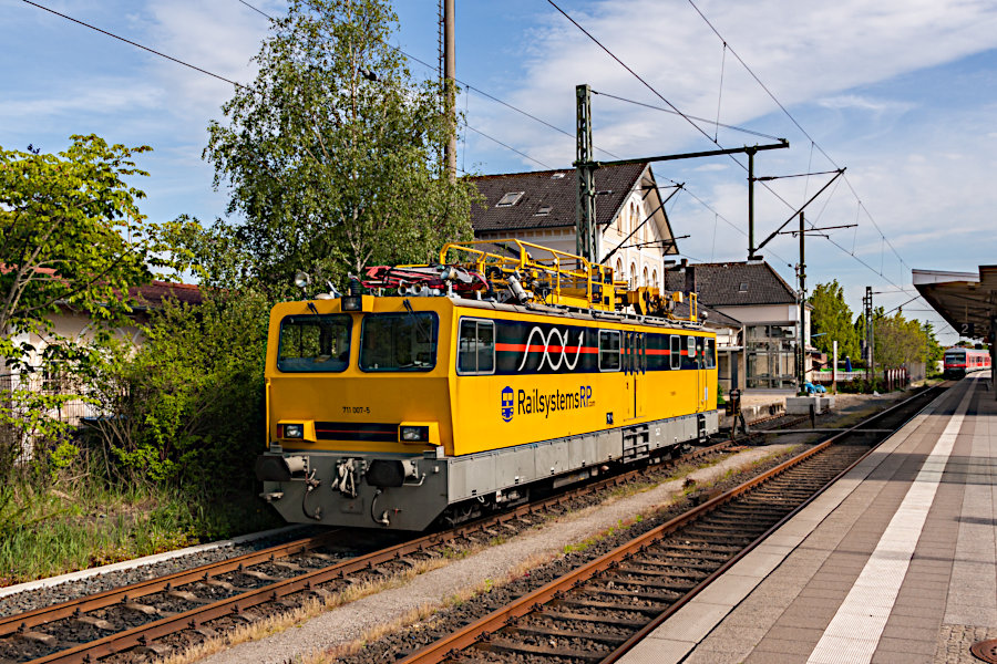 Railsystems 711 007 abgestellt im Bahnhof Itzehoe.