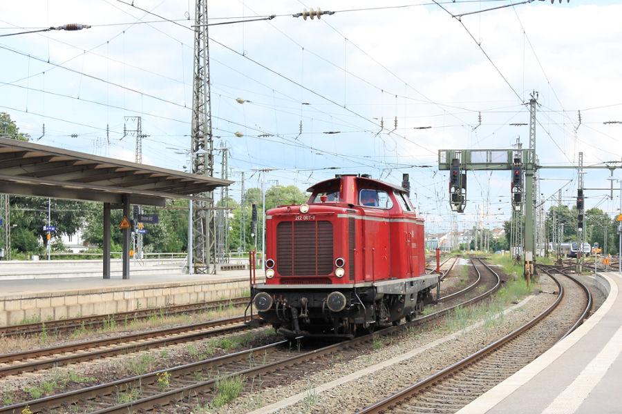 212 007 im Bremer Hauptbahnhof.