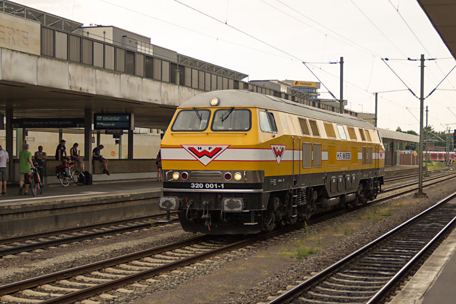 320 001 in Hannover Hbf.