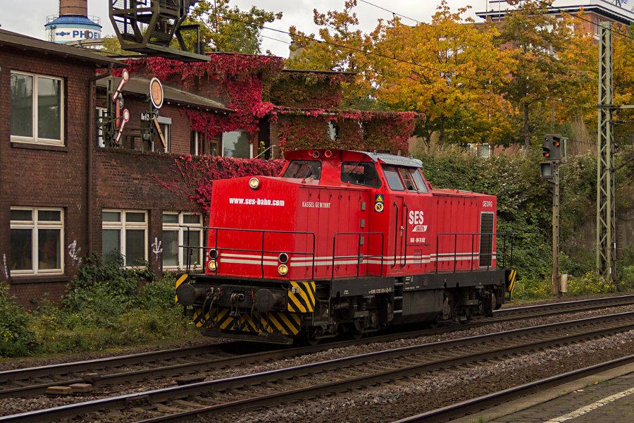 293 005 durchfährt den Bahnhof Hamburg-Harburg.