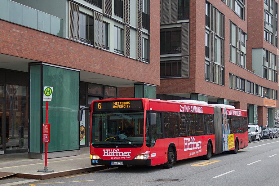 HHA 7839 an der Haltestelle Osakaallee auf der Metrobuslinie 6.