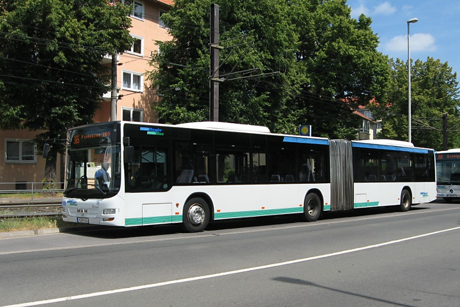 RegioBus H-RH 554 an der Haltestelle Wallensteinstraße.