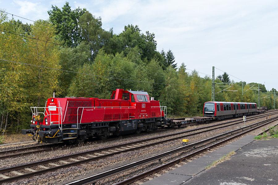 261 077 mit DT 5 311 im Schlepp am Hp Alte Wöhr.