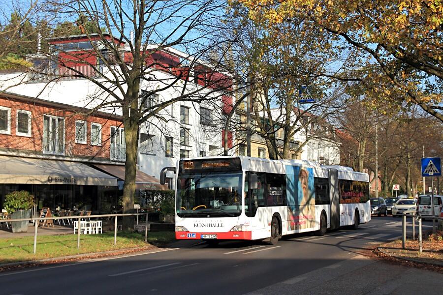 HHA 7305 auf der Linie 109 in der Alsterdorfer Straße.
