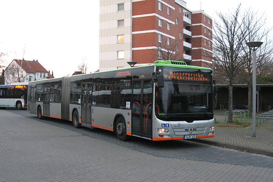 üstra 8435 auf der Busanlage Ahlem.
