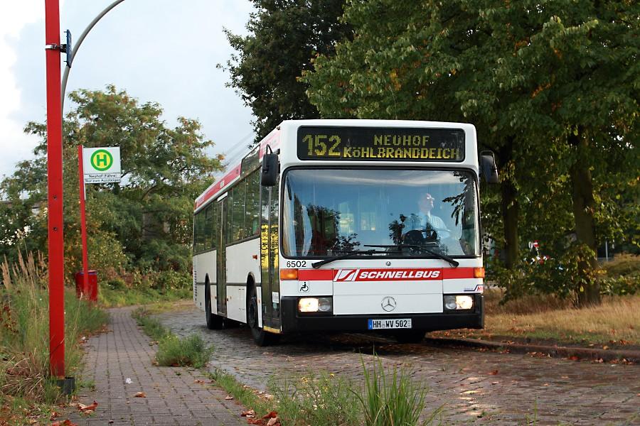 HOV 6502 an der Haltestelle Neuhof (Fähre).