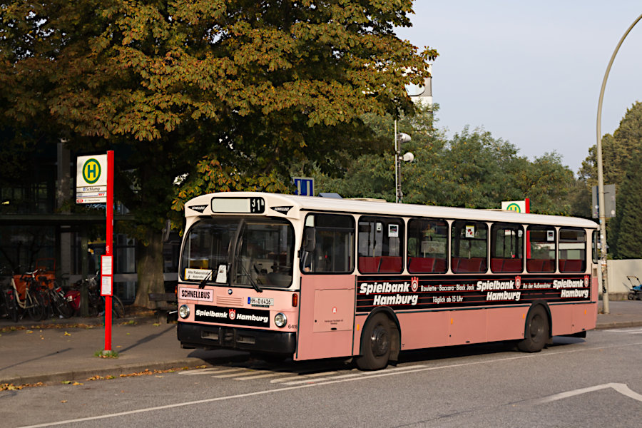 HOV 6416 an der Haltestelle U Schlump.