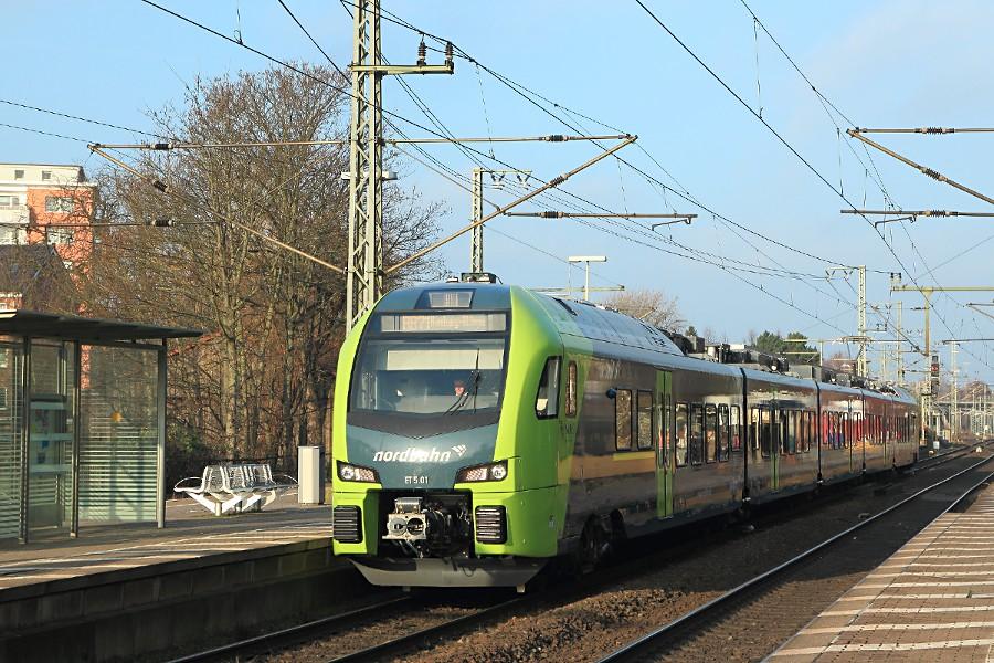 ET 5.01 der nordbahn im Bahnhof Elmshorn.