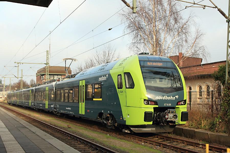 ET 6.05 der nordbahn im Bahnhof Itzehoe.