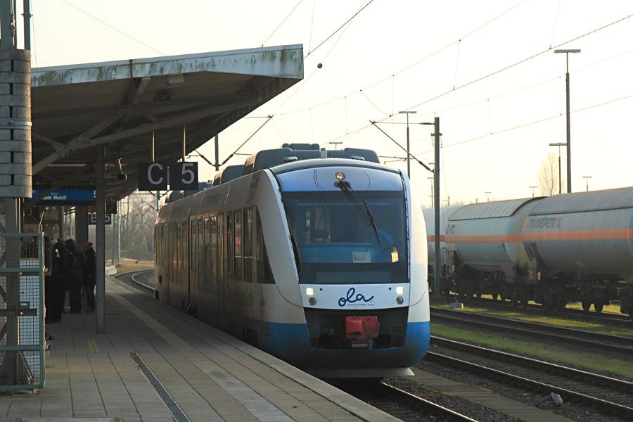 VT 701 der OLA/NOB im Bahnhof Itzehoe.