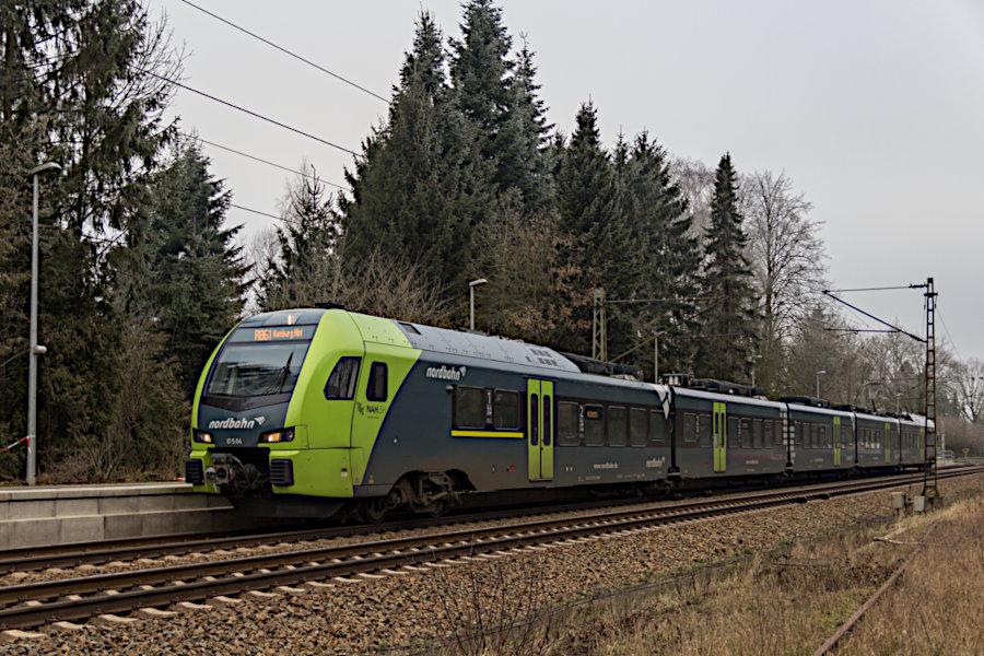 ET 5.04 der nordbahn im Haltepunkt Prisdorf.