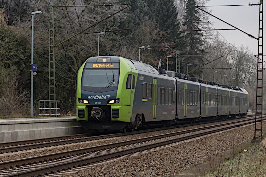 ET 6.01 der nordbahn im Haltepunkt Prisdorf.