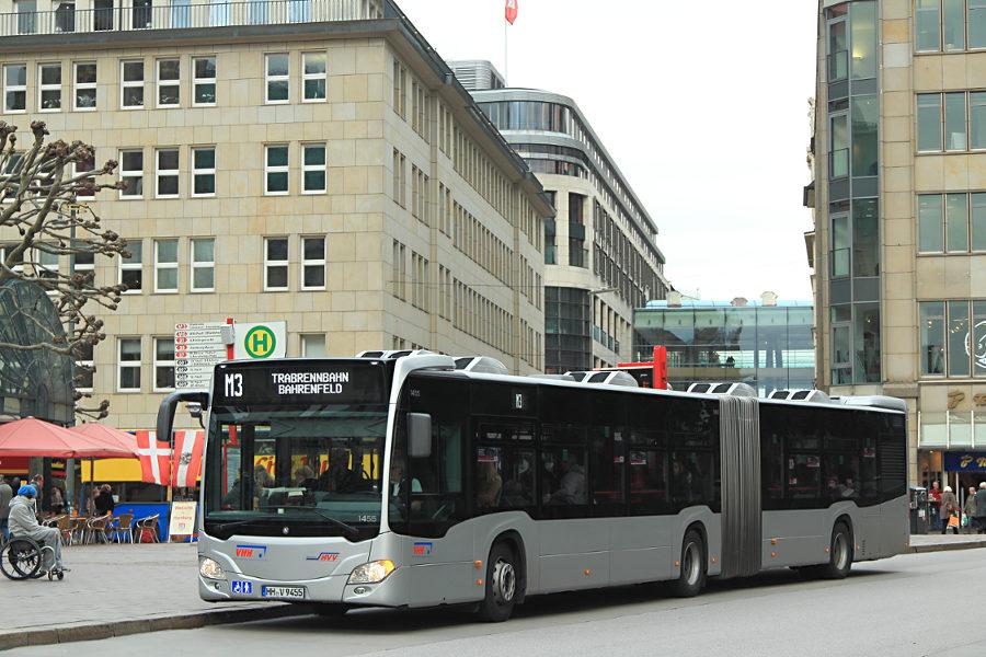 VHH 1455 auf der Linie M3 an der Haltestelle Rathausmarkt.