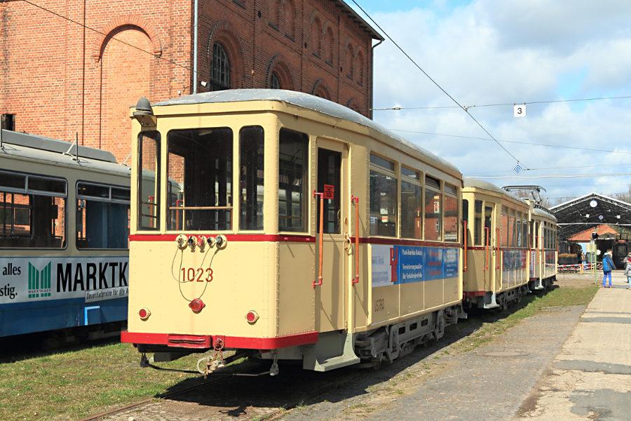 Bw 1023 und 1033 sowie Tw 181 (alle ex üstra) im Hannoverschen Straßenbahn-Museum Wehmingen.