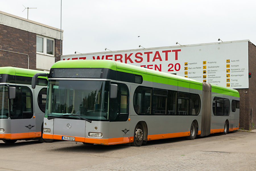 Hartmann 2102 auf dem Betriebshof Alter Flughafen.