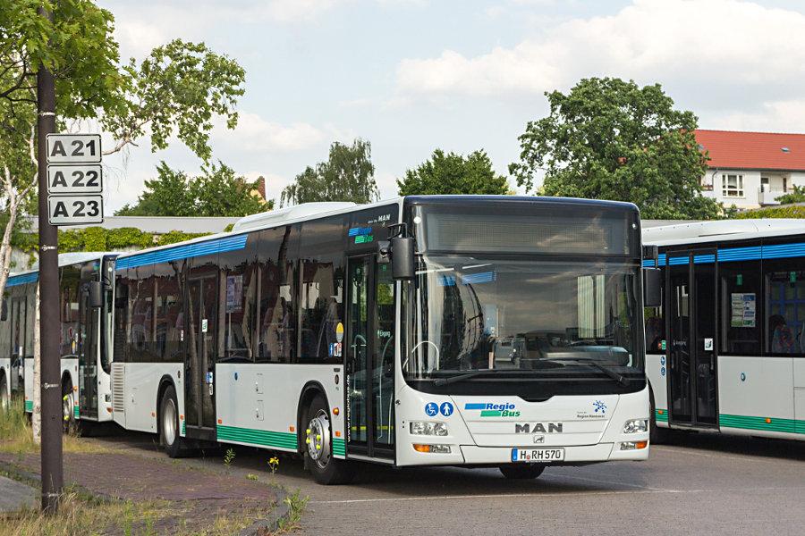 RegioBus H-RH 570 auf dem üstra-Betriebshof Mittelfeld.