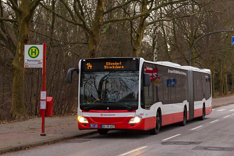 HHA 7617 auf der Linie 14 an der Haltestelle Beerentalweg