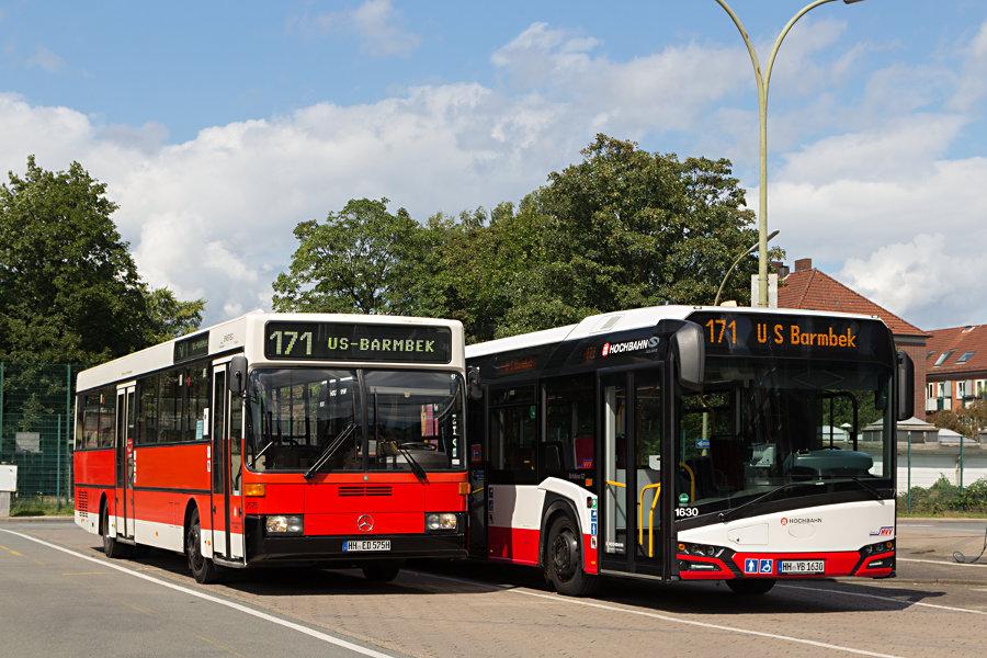 HOV 2575 (ex HHA 2575) und HHA 1630 nebeneinander auf dem HHA-Betriebshof Mesterkamp.