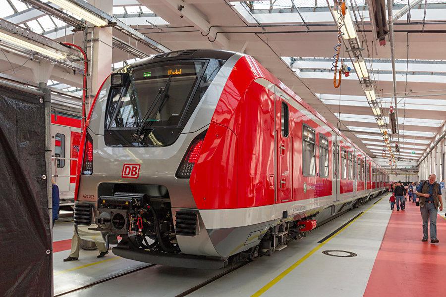 490 002 während des Tags der offenen Tür 2017 im Instandhaltungswerk S-Bahn Hamburg.