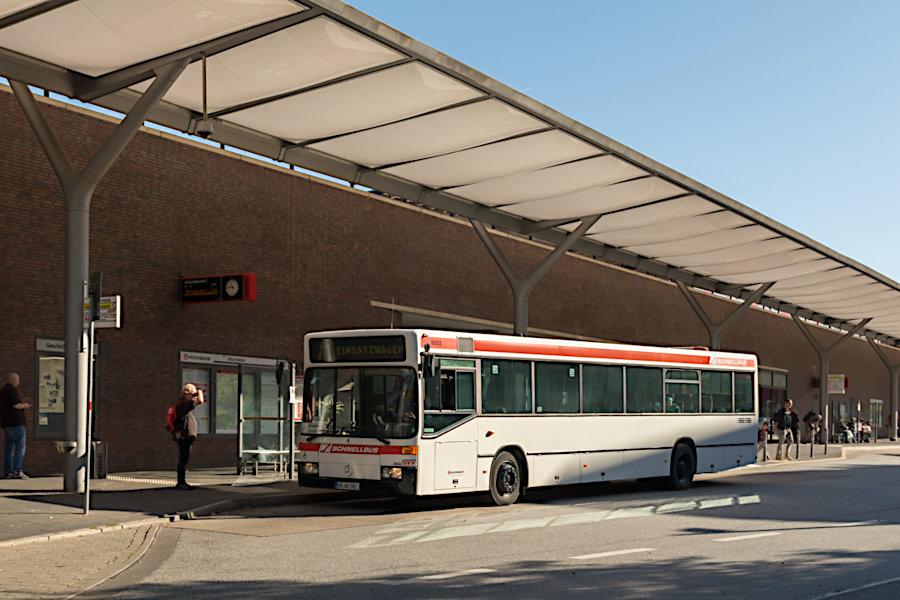 HOV 6502 (ex HHA 6502) beim 19. Verkehrshistorischen Tag 2019 auf der Omnibusanlage U/S Barmbek (Wiesendamm).