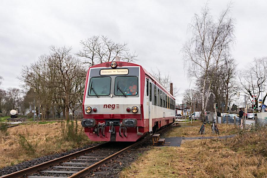neg T4 während >>Schienenpersonenverkehr als Testphase im Februar 2020<< im improvisierten Bahnhof Uetersen.